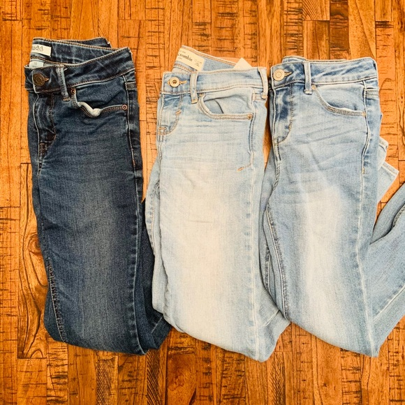 Girls bundle of jeans